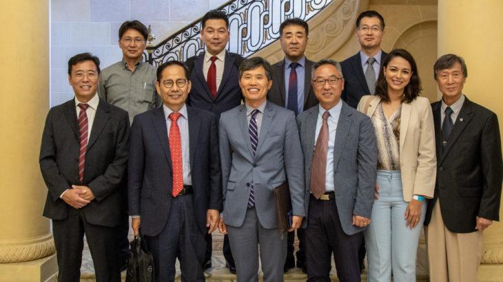Doação de Robôs da Hyundai Heavy Industries